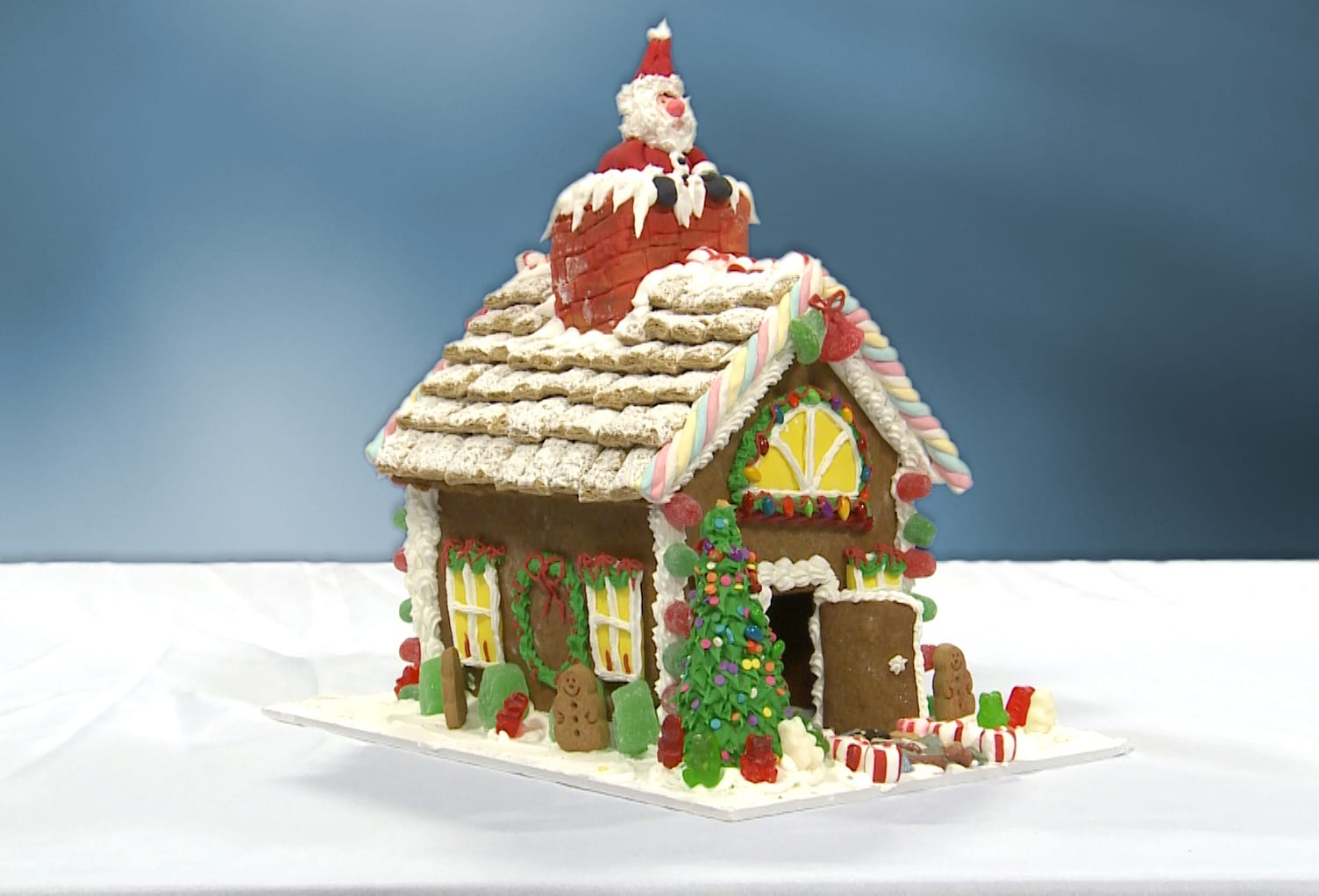 GINGERBREAD HOUSE & 2 CLASS TICKETS <br/> Donated by: JANET EVERS <br/> Valued at: $205 1