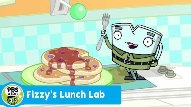 FIZZY'S LUNCH LAB | Food Camp: Very Berry Pancakes | PBS KIDS