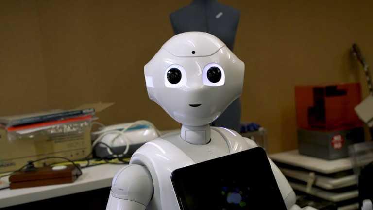Students and robots intermingle at the Hirshhorn ARTLAB+