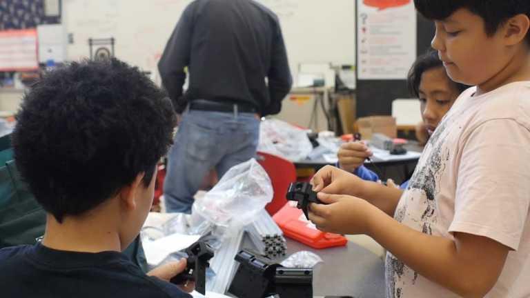 School builds its own 3-D printer