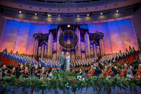 Christmas with teh Mormon Tabernacle Choir