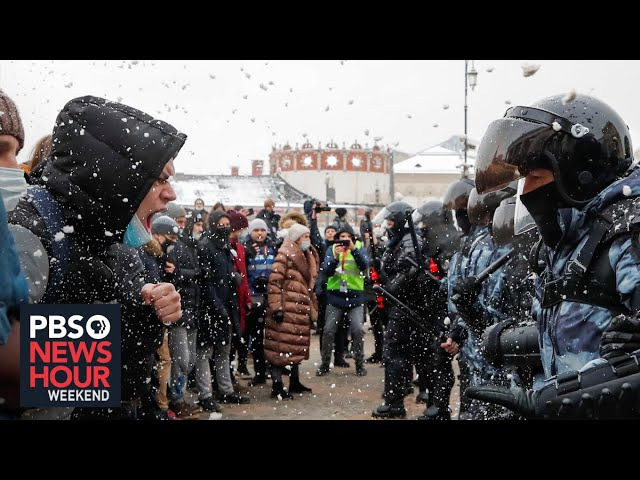 Protests over Alexei Navalny's arrest continue amid Kremlin crackdown on protesters