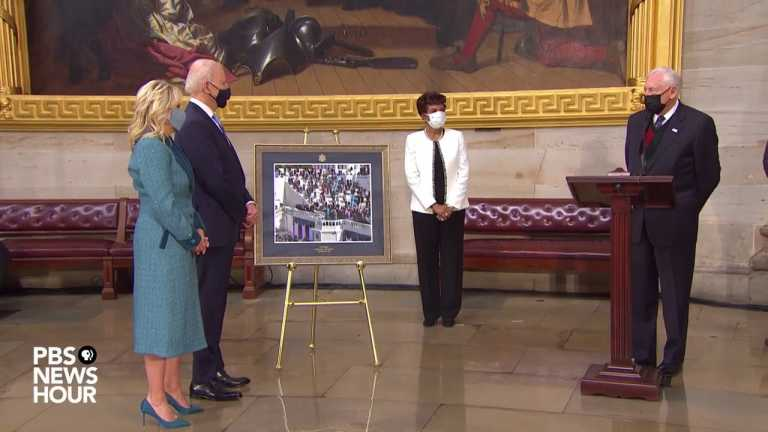 WATCH: Hoyer presents Biden with inauguration photo