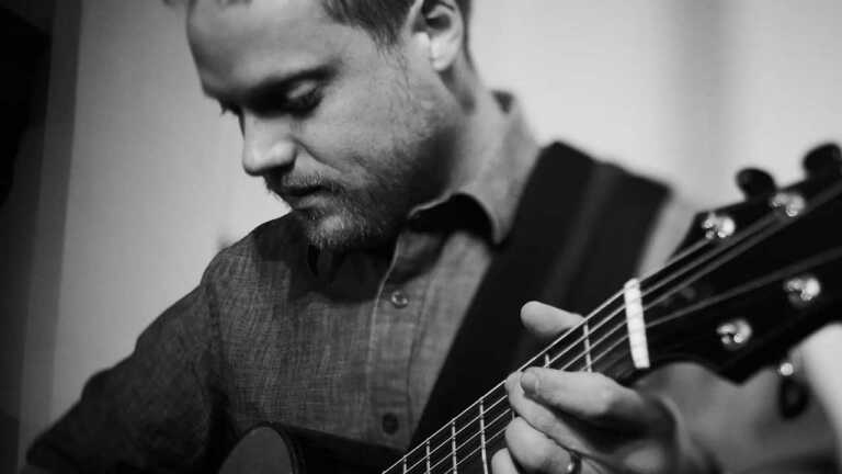 Acclaimed Acoustic Guitarist to Perform  Live at Clayton Opera House with In-Person Audience