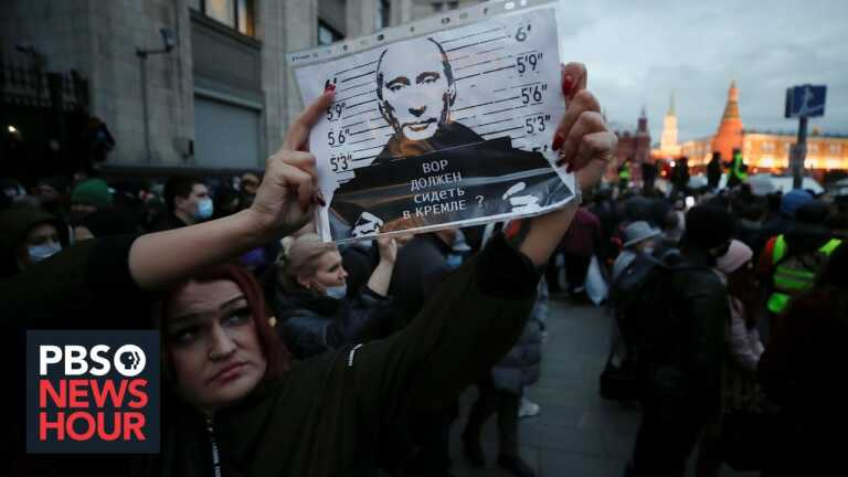 Why Navalny poses a special challenge to Putin's leadership