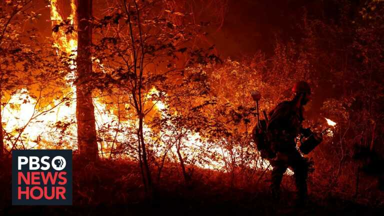 News Wrap: Dixie Fire 20 percent contained, military to require COVID-19 vaccinations