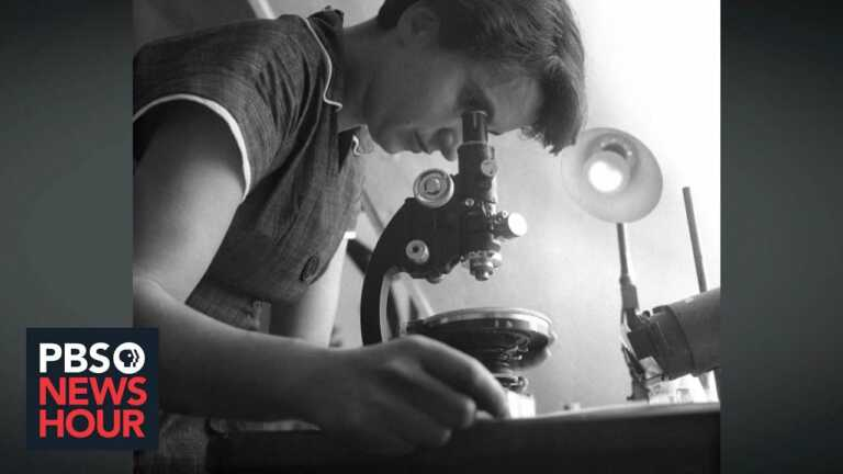 Watson, Crick's breakthrough DNA discovery was based on Rosalind Franklin's work